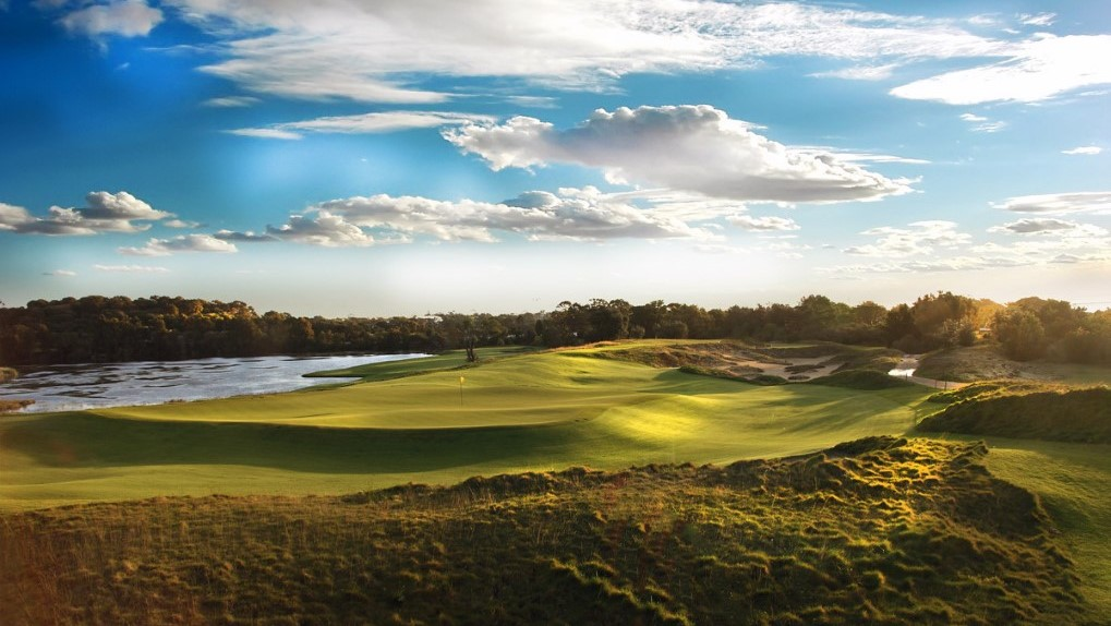 Sunlit Green over The Lakes Golf Club, Sydney, NSW